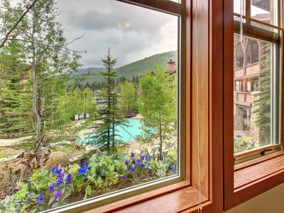 Photo for Tasteful ski-in/ski-out condo w/ shared hot tub, pool & more!