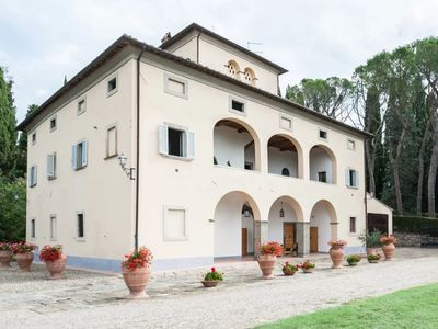 Photo for Magnificent 1700's villa in Tuscany