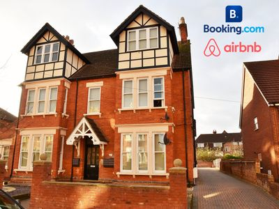 Photo for 1BR Apartment Vacation Rental in Bedford, England