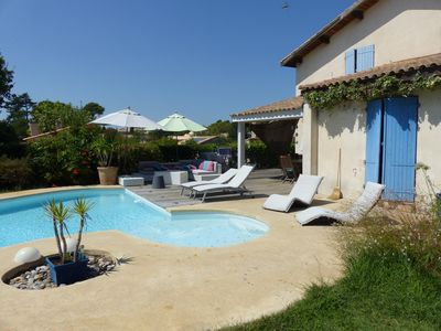 Photo for Provençal House between sea and vineyards, landscaped grounds with pool