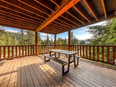 Photo for Large, dog-friendly home with a covered deck - close to skiing & Trillium Lake!