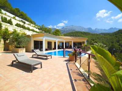 Photo for This 5-bedroom villa for up to 10 guests is located in Altea and has a private swimming pool, air-co