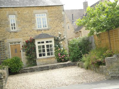 Photo for 'SPRING COTTAGE' Bourton on the Water - Close to the Village/South Facing Garden