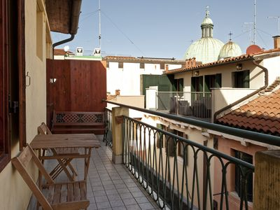 Photo for Beautiful silent house with private terrace in the heart of Venice