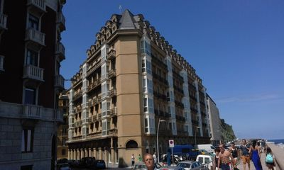Photo for Beautiful apartment in a high standing building in the heart of the city