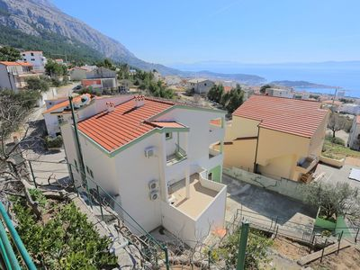 Photo for One bedroom apartment with air-conditioning Makarska (A-18213-a)