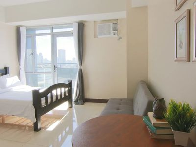 Photo for VALUE Manhattan Heights Unit Araneta Cubao 20MBPS!