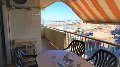 Photo for Tao apartment, 2min from Riells beach, pool, 2 bedrooms, 4p