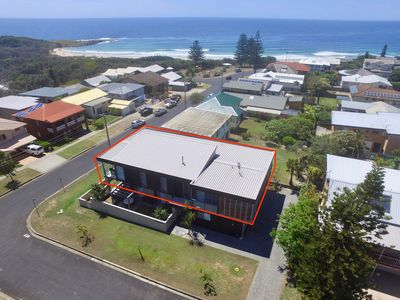 Photo for Belvedere Luxury Apartment 2, short walk to Main, Convent or Pippi Beaches, Yamba