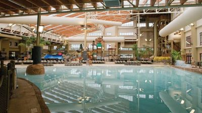 Photo for Spacious 2 BR Suite at Great Smokies Lodge-Water Park Tickets Included