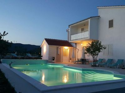 Photo for Charming villa with high privacy, 60m private pool, fitnes, sauna, tennis court