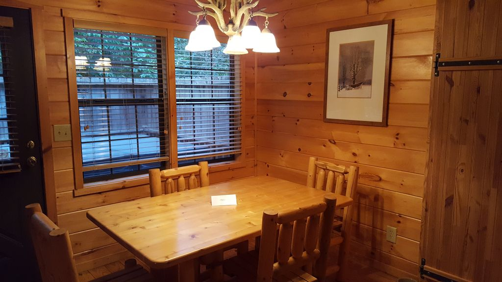 Cozy Cabin With Hot Tub Short Walk To Downtown Helen
