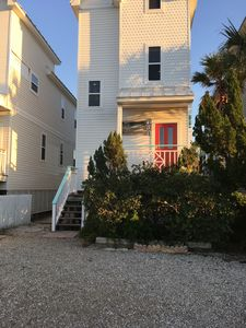 Photo for Sweet BEACH cottage. Walking distance to everything, Sleeps 10.   2292000277