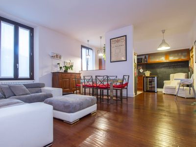 Photo for Spacious Amazing Centrale apartment in Stazione di Milano Centrale with WiFi, air conditioning, bal…