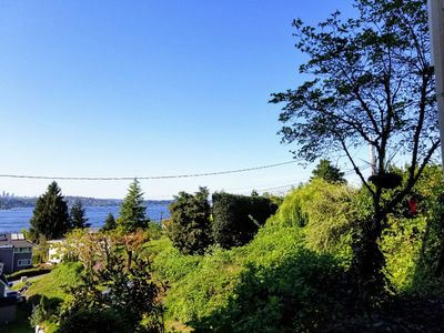 Photo for Lil private serene studio with view of Lake Washington, city, and cascades.