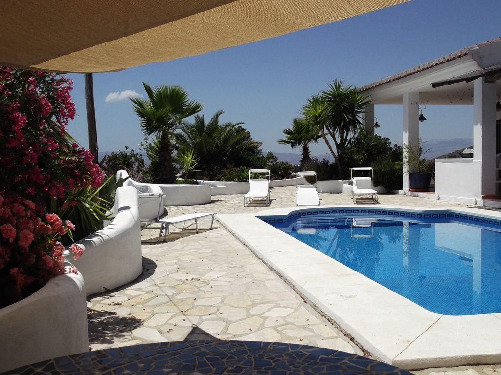 Stunning Contemporary Style Andalusian Villa With Private