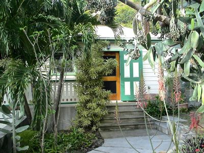 Cactus Flower Cottage Entry