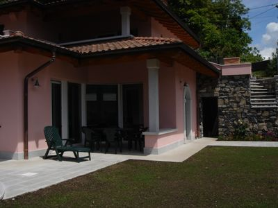 Photo for House with priceless lake view, exclusive swimming pool and garden