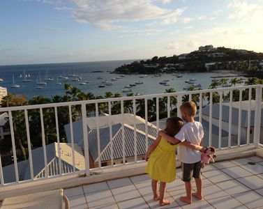 Grandkids Awed By View on Upper Deck