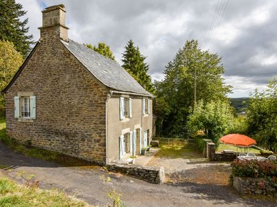 Photo for Auvergne - Stone house with garden, near the National Volcanoes Park