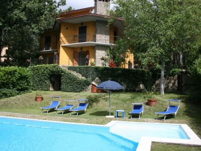 Photo for Large villa with private garden and swimming pool. Gym, satellite TV, Wi-Fi access, table tennis. Re