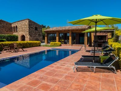 Photo for 5 bedroom Villa, sleeps 10 in Mont-ras with Pool and Air Con