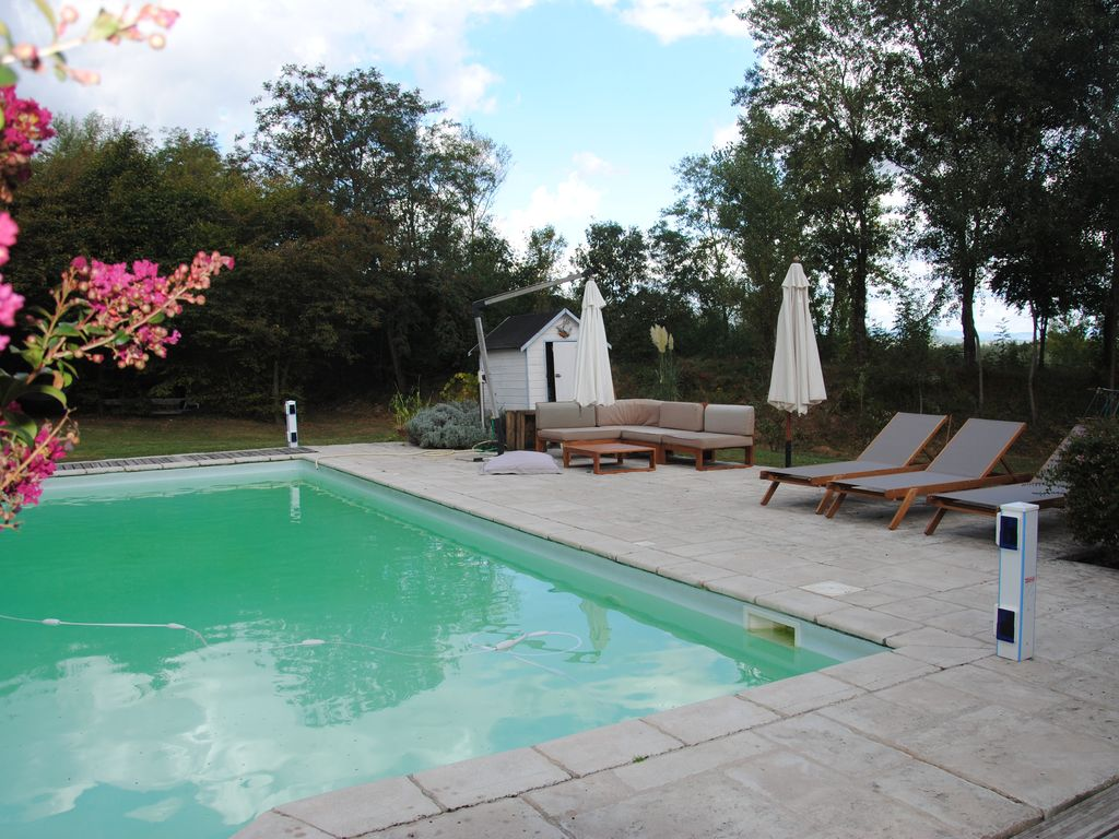 Maison 275 m2 piscine 5x10 grand jardin arbor 7chambres for Piscine 5x10