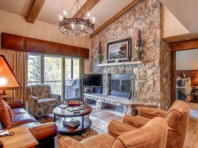 Photo for Spectacular condo with vaulted ceilings & room for the whole family!