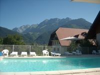 Fantastic little studio apartment in great location to explore Lake Annecy and surrounds.