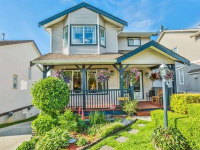 Photo for Quiet Suburban Gem on Promontory in Chilliwack