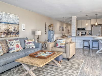 1st Floor End Unit! Pet Friendly! Amenity Cards! Panoramic Water/Beach Views!