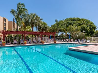 Photo for Luxury 2/2 Apartment  Mins from beaches, Wifi, Pool, Tennis