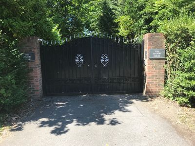 The Manor House Electric Gates (fob provided)