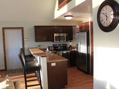 Photo for Beautiful Vacation Cabin - 6 Passes to Bridges Bay Included ($120 value)