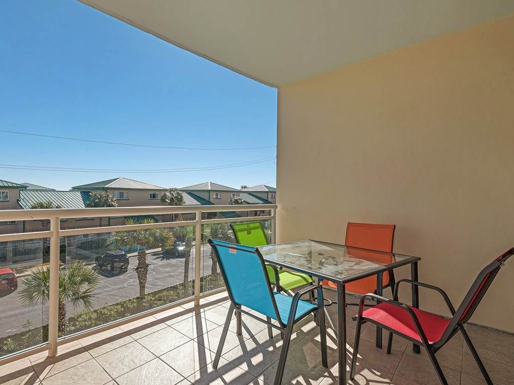QUAINT condo is ideal for anyone wanting a RELAXING getaway!!!