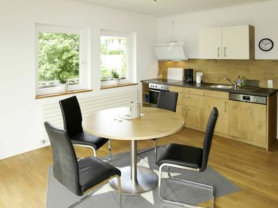Photo for Lovely apartment for 4 guests with WIFI, TV, balcony and pets allowed