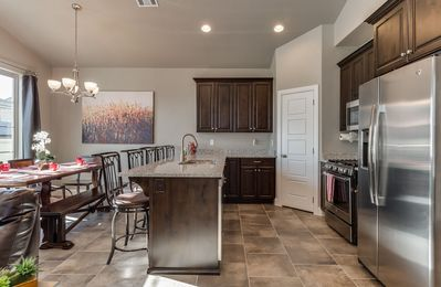 Photo for Pet Friendly, Free Wi-Fi, heated pool, hot tub, BBQ , Patio, 32 mi. from Zion!