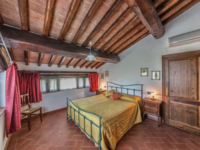 "Photo for ""Tontenano"" Chianti Apartments with Pool WiFi, BBQ Area, Parking, Private Garden"