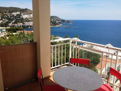 Photo for 8. Apartment with incredible views of the Bay of Roses with community pool.