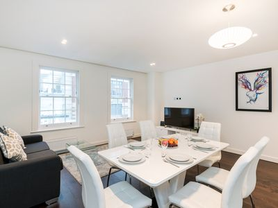 Photo for SLOANE SQUARE - KNIGHTSBRIDGE AREA - SPACIOUS 3BR IN THE CENTRE OF LONDON!