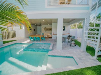 Home Stay 2020.Book Your 2020 Stay Now Stunning Brand New 7 Bedroom Home With Private Pool And Spa Arcade Room Custom Outdoor Tiki Bar With 2 Tvs Short Walk To