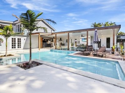 Photo for Extravagant Hampton House on the Noosa River.