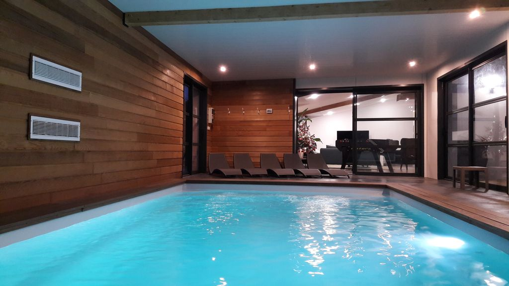 Property Image#40 LUXURY VILLA Indoor Pool And Spa 37 ° C Outside