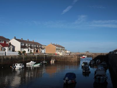 Photo for BEAUTIFUL HARBOURSIDE COTTAGE: Fully booked summer, good avail Sept, Oct, Nov...