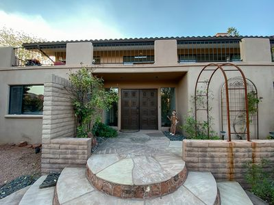 NEW!! OPEN-STYLE HOME, MAGNIFICENT SCENIC VIEWS!