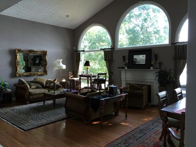 Living Room (1 of 2)