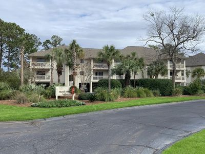 Photo for Updated 2 BR/2BA! Screened Porch! Neighborhood Pool! Amenity Cards Available!