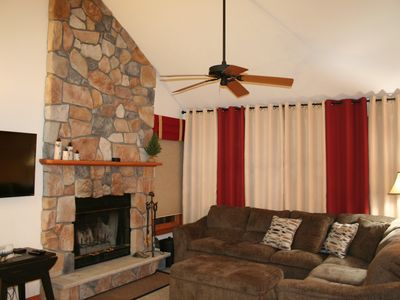 Beautiful home, 4 bedrooms, across from Camelback Resort
