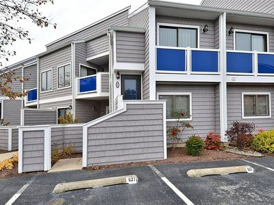 FREE DAILY ACTIVITIES!!! Charming 2 bedroom, 2 bath unit located in a quiet resort community