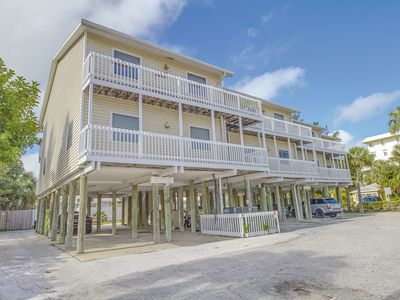 Photo for Sunset Views Condo - Weekly Rental